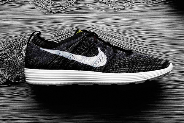 Nike-HTM-FlyKnit-Trainer-Black-01.jpg