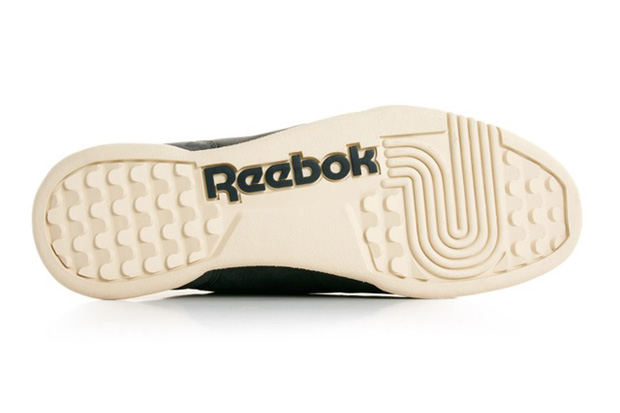 Reebok-Workout-Plus-Vintage-Soft-Black-02