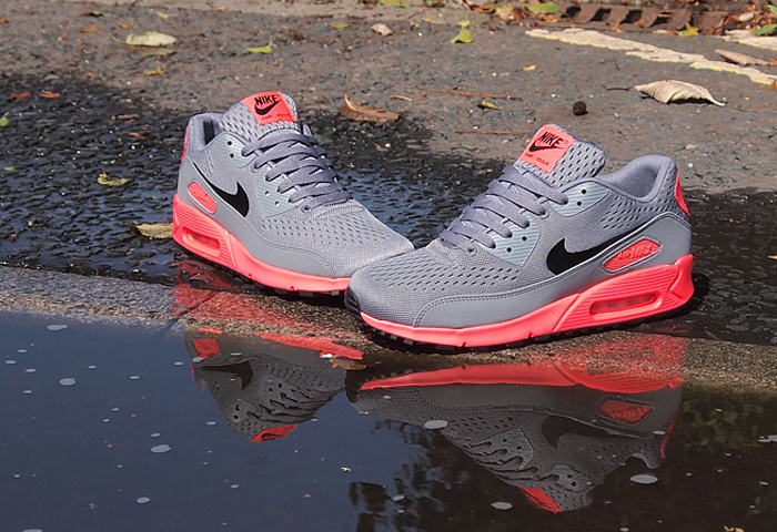 Nike Air Max 90 EM Premium Comfort (Atomic Red & Blue)