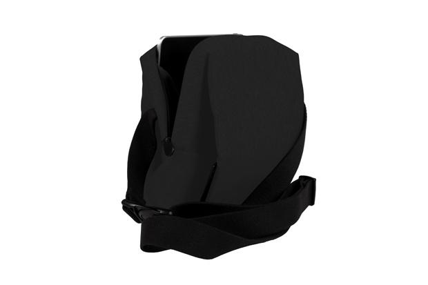 COTEetCIEL-tabletkitbag-05-black-h-w