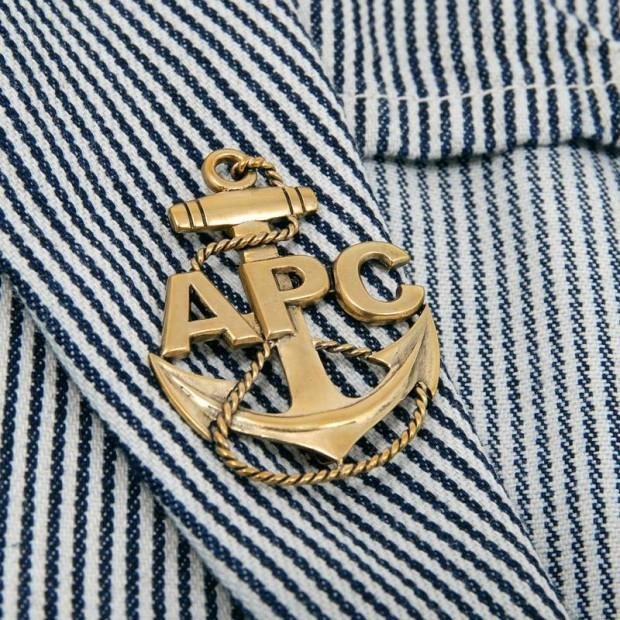 00-012-2011_apccarhartt_captainjacket_blue_detail3