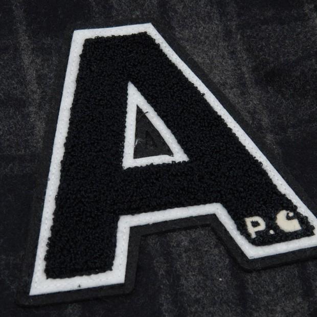 00-012-2011_apccarhartt_schopenhauerjacket_anthraciteblack_detail3